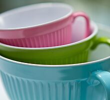Pastel cups by Justine Gordon