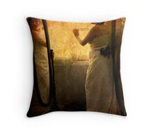 Her beauty reflected Throw Pillow