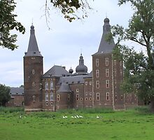 Castle Hoensbroek  by DutchLumix