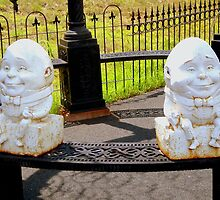 Humpty & Dumpty ^ by ctheworld