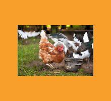 Free range hen digging Unisex T-Shirt