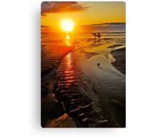 SUNRISE SURFERS Canvas Print