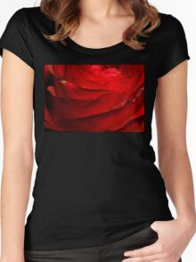 Red Rose Macro 2 Women's Fitted Scoop T-Shirt