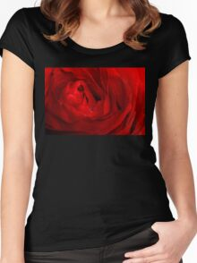 Red Rose Macro 3 Women's Fitted Scoop T-Shirt