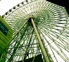 Ferris Wheel  by kimtsan