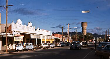 Main st Wodonga from Melbourne road to Water Tower 196805020002  by Fred Mitchell