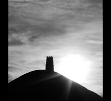 Glastonbury Tor by samwisewoahzay