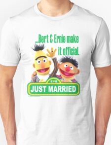 Bert & Ernie - Just Married Unisex T-Shirt