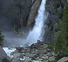 Waterfalls -Yosmite National Park. by LCleaveland