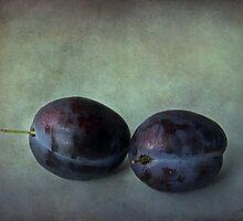 Plums by Ellen van Deelen