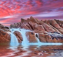Spa pool, Wyadup rocks, Yallingup, Western Australia by Marc Russo