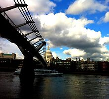 blue skies- millenium bridge from the southbank by smilo
