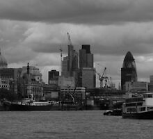 London Skyline by gm8ty
