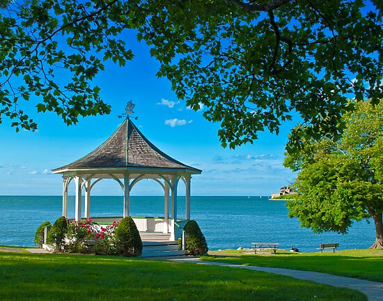 Niagara River Gazebo by (Tallow) Dave  Van de Laar