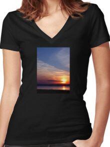 Ballyholme Sunset Women's Fitted V-Neck T-Shirt