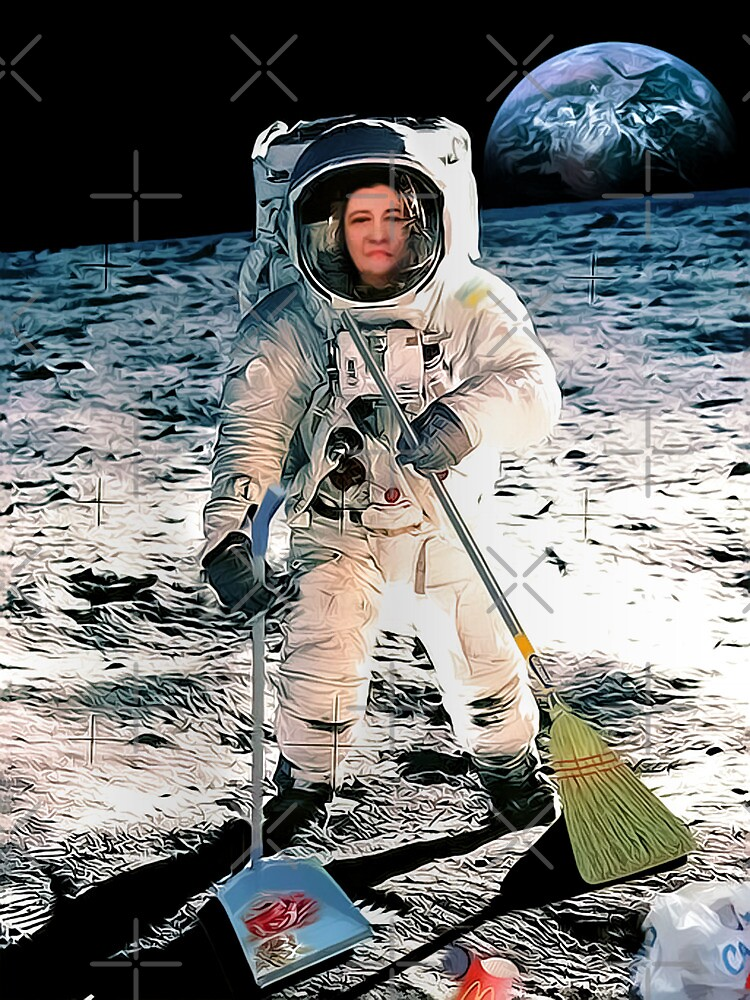 Spacial Housewife in Special Mission by Maria  Gonzalez