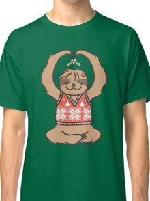 Christmas Kiss Sloth with Mistletoe Classic T-Shirt