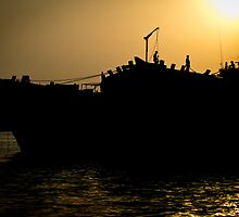 Loading the Dhows by Chris Cardwell