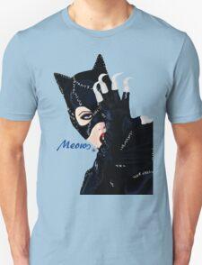Catwoman Returns  T-Shirt