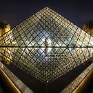 Pyramide du Louvre by Conor MacNeill