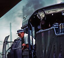 Engine driver and onlooker Wodonga RS 198103050019  by Fred Mitchell