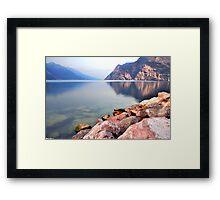 Prime ore del mattino sul Lago di Garda Framed Print