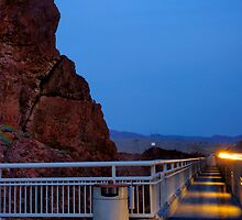 Moon rise over the Hoover Dam by raceman