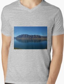 Kiwi Reflection Mens V-Neck T-Shirt