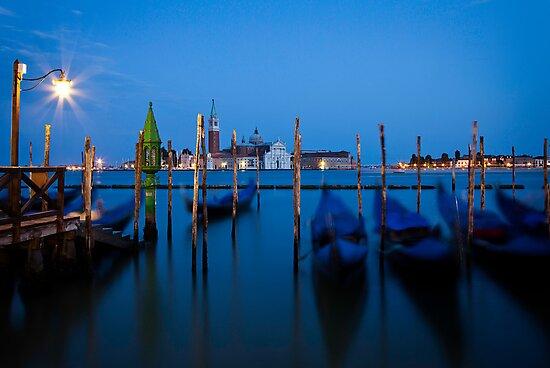 Venenzia Gondolas by vividpeach