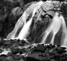 Summer Falls by KatsEyePhoto