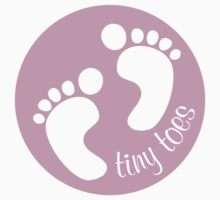 Tiny Toes Girl by acarpenter
