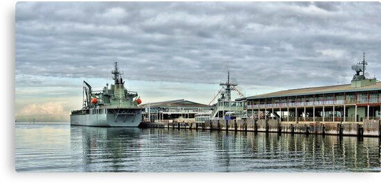 HMAS Sirius at Station Pier by Steven  Agius