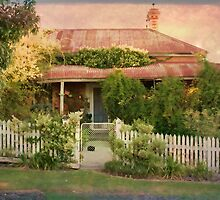 Beechworth Cottage by Linda Lees