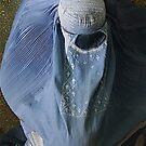 Burqa-wearing woman、Afghanistan by yoshiaki nagashima