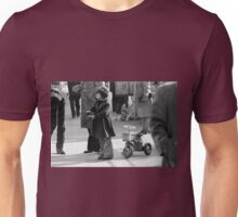 Collector, On the Way to M.Cartier Bresson Paris 1975 18 (b&n)(h) by Olao-Olavia par Okaio Création Unisex T-Shirt