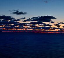 Sea, Sunset. Movement. by tutulele