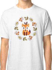Little Fox with Autumn Berries Classic T-Shirt