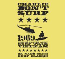 Surf team vietnam - Charlie don't surf - Black Kids Tee