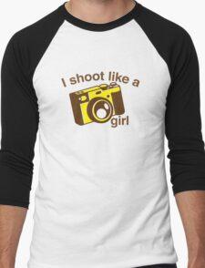 I shoot like a girl (Camera Photographer) Men's Baseball ¾ T-Shirt