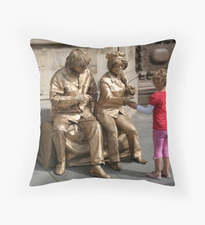 John and Yoko greet child Throw Pillow