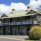 The Old Bridge Inn, Gundagai by buildings