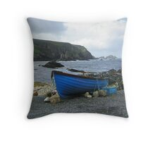 An Port Throw Pillow
