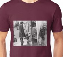 Collector, On the Way to M.Cartier Bresson Paris 1975 16 (b&n)(t) by Olao-Olavia par Okaio Création Unisex T-Shirt