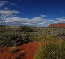 Uluru & it's Surrounds by Linda Fury