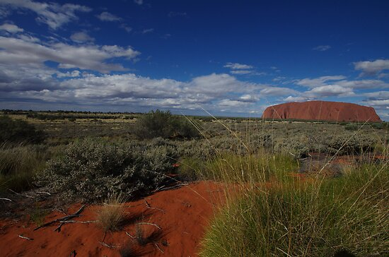 Uluru & it's Surrounds by Linda Fury