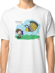 Eleventh Doctor vs a Dalek ... Peanuts Style Classic T-Shirt