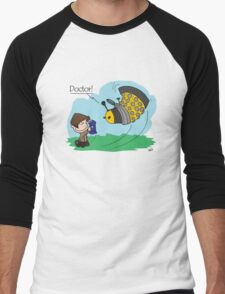 Eleventh Doctor vs a Dalek ... Peanuts Style T-Shirt