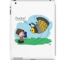 Eleventh Doctor vs a Dalek ... Peanuts Style iPad Case/Skin
