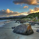 Sunrise at Cloudy Bay by thelanger
