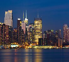 NY Skyline by DaveOrtiz